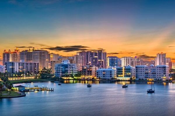 Sarasota, Florida :: Una de las mejores ciudades para vivir mientras se trabaja en áreas remotas
